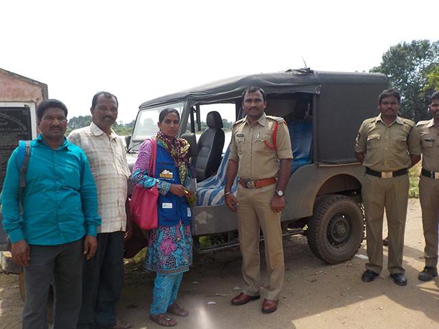 The CRPI Team Inspects Vemulwadi Cattle Market
