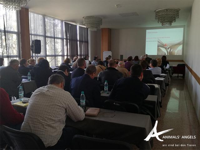 [Translate to englisch:] Animals' Angels Schulung Veterinäre und Polizisten, Sofia, Bulgarien