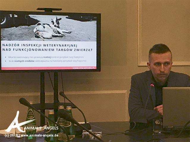 [Translate to englisch:] Tierschutzgruppe Parlament Polen