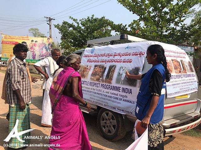 Aufklärungskampagne: Das CRPI Team fährt von Dorf zu Dorf